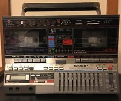 SHARP GF 800 Z BOOMBOX GHETTOBLASTER STEREO Twin CASSETTE VINTAGE 80s Turns On