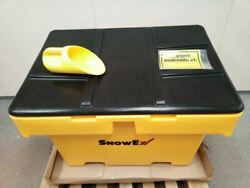 Snowex SB-1800 1750 Lb Load Cap 18.00 Cu Ft Cap Yellow Polyethylene Salt Box