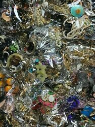 💎ESTATE VINTAGE TO NOW COSTUME JEWELRY LOT 20 Pc NO JUNK NECKLACE BROOCH EAR💎 $25.95