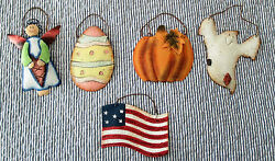 DECORATIVE WALL METAL TIN HOLIDAYS HANGING ORNAMENTS. $9.99
