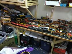 HUGE MIXED LOT HO SCALE TRAIN CARSENGINESTRACKBUILDINGSamp;MORE $24.00