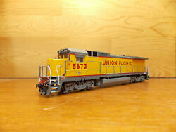 Atlas UP Union Pacific Dash 8-40b with DCC $65.00