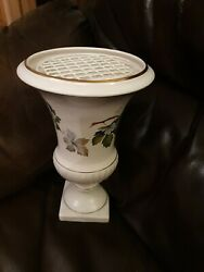 Antique 1889 Gouda Pottery Vine Leaves Gratted Flower Table Urn Rare GBP 15.00