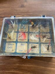 10 Vintage Fly Fishing Flies With Carrying Case $17.00