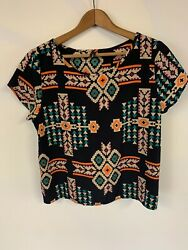Estam shirt large With geographic print and open back. Colorful $19.00