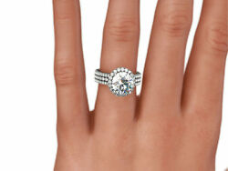 DS-R-82-604 4.00 CT G SI1 ROUND SHAPE DIAMOND 18 K WHITE GOLD ACCENTED RING