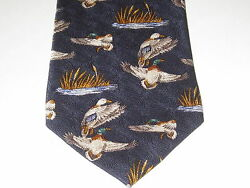 FIELD & STREAM** 100% SILK ** NECKTIE** Ducks In Flight & Marsh land**DK BLUE