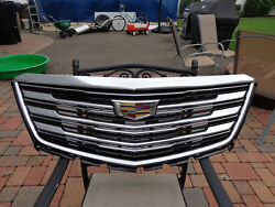 17 18 19  Cadillac XT5 Grille New GM 84107964 Black and Chrome