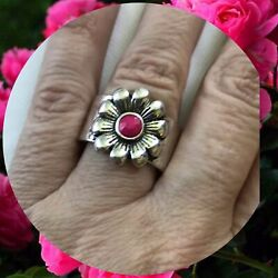 Paparazzi Dreamy Fields with Silver Tone Flower Fuchsia Pink Faceted Bead