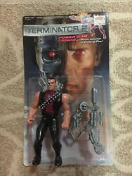 KENNER VTG 1991 T-800 POWER ARM TERMINATOR 2 T2 With Card.