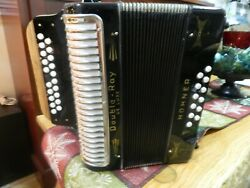 Hohner Accordion BC DOUBLE RAY BLACK DOT 3 VOICE. 21 x 12. FAST BUTTONS