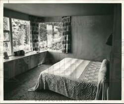 Press Photo Bedroom with an outside view window piw07530 $33.88