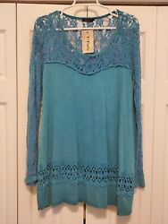 T PARTY Tunic Lace Sleeve Top Made In The USA $22.00