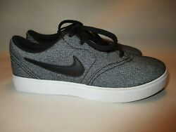 Nike SB Boys Youth size 2Y Gray amp; Black Lace Up Sneakers in Excellent Condition $18.98