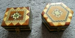 Two Small Vintage Boxes with inlaid style pattern to top and sides B205 GBP 9.99