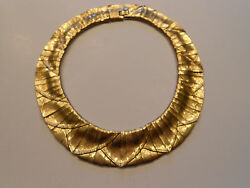 HUGE HEAVY GOLDEN RUNWAY NECKLACE SLINKY & WAVY GORGEOUS HAUTE COUTURE
