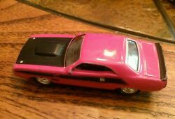 Johnny Lightning Pink 1970 Dodge Challenger T A Muscle Cars USA EC 1 64 scale $7.00