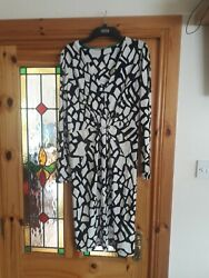Oasis Black And White Wrap effect Over Summerevening Dress. Size medium $13.75