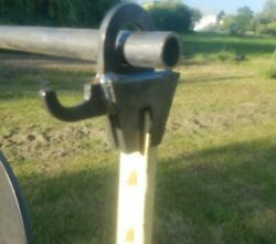 NEW T post Conduit Target Stand W Integrated Gong Hanger Single 1 $18.99