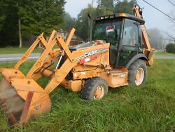 Case Series 2 Tractor with Loader Backhoe Pusher & Pallet Forks