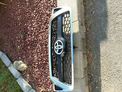 2011 toyota OEM tacoma front grill
