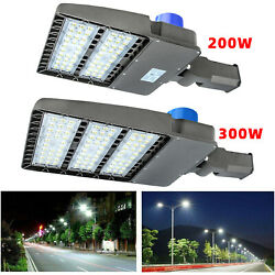 200300W LED Parking Lot Light Commercial Outdoor IP65 Shoebox Street Pole Lamp $129.00
