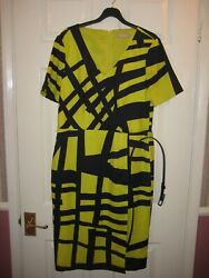 Ladies PLANET Smart Summer wrap over Dress size 10 short sleeves in Navyyellow $8.76