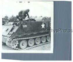 FOUND B&W PHOTO H_6421 SOLDIER ON TOP OF U.S. ARMY TANK $6.98