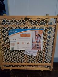 baby safety gate new never used $10.00