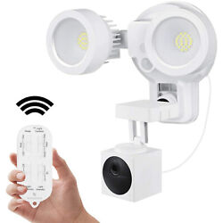 Wyze Cam Outdoor Remote Control Floodlight Charger Mount Home Security Camera $69.99