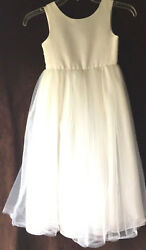 GIRLS WHITE PARTY DRESSES WHITE sizes 6 and 4 $14.00