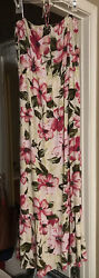 Forever 21 Floral Maxi Dress Small $16.00