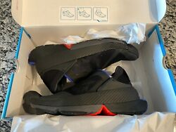 NIKE GO FLYEASE HANDS FREE BLACK Size M 11.5