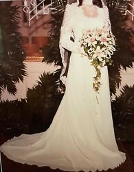 Vintage Bridal Gown and Veil Ivory Lace Beaded Size 4 $149.99