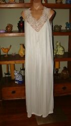 Ladies Women#x27;s Vintage Movie Star Long Nylon Nightgown Bust to 48quot; White $19.95