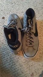nike grey and black size 10 men good condition