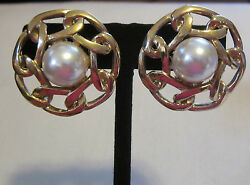 BUTLER Vintage Goldtone With Faux Pearl Center Circle CLIP ON Earrings  1 12