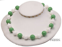 Natural White Round Freshwater Pearl Green Turquoise And Tridaonidae Necklace