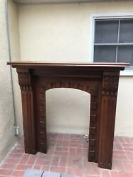 Beautiful Fireplace Mantle in excellent condition! Elegant carvings