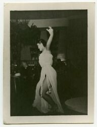 1940s Photo sexy Asian dancer performing for soldiers exotic stripper x13120