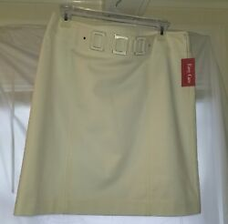 Rafealla Petite – 12P white skirt design at waistband with tag $15.00