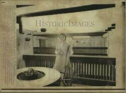 1972 Press Photo Jane Russell in California Apartment building she commissioned