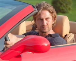 GERARD BUTLER candid photo looking HOT in red convertible L176