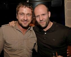 GERARD BUTLER candid photo with JASON STATHAM L176