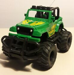 1:43 GREEN JEEP RC READY TO RUN $4.89