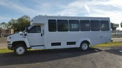 2006 Chevrolet C5500  shuttle bus for up to 22 passengers +driver seat.