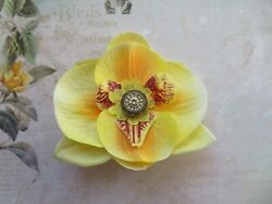 Small Shades of Yellow Gold Orchid Flower Brooch Corsage Buttonhole Wedding GBP 4.50