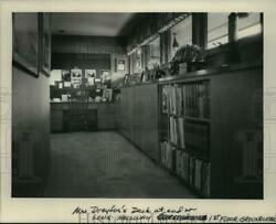 1983 Press Photo First Floor Desk and Hallway in the Dreyfus#x27; Stevens Point Home $19.99