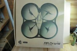 Parrot AR drone 1.0 w Box wifi flying video game intuitive pilot in out door $75.00