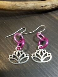 UNIQUE SMALL SHADES OF PINK SIMPLE LINKS SILVER LOTUS CHARM EARRINGS $3.00